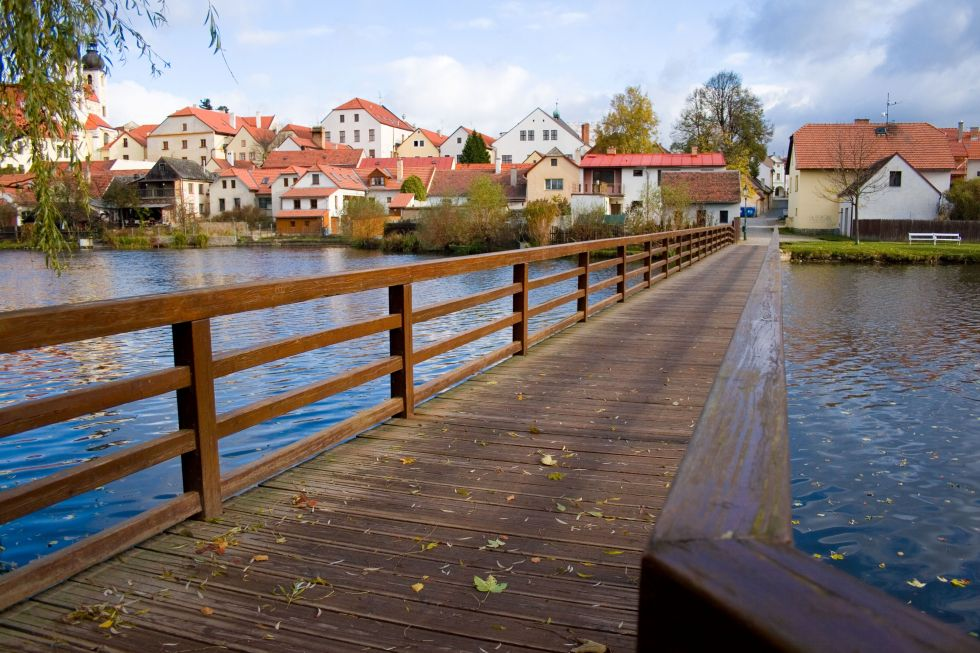 Belp footbridge over the Ulický pond